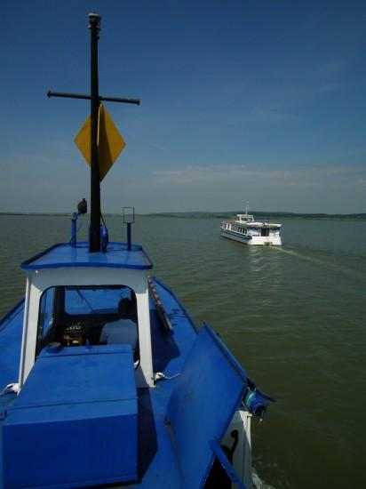 Nadap nevű hajó a Gárdony nevű hajóról fotózva